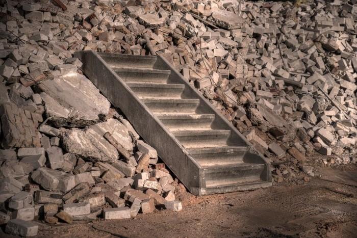 В Краснодаре снесут незаконно построенный многоквартирный дом